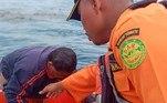 Assim que foi tirado do mar, Udin foi levado para um hospital, onde médicos trataram seu quadro grave de desidratação e fomeVEJA ISSO: Jovem despenca de carro a 177 km/h após postar que 'acabaria morta'