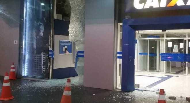 Agência foi depredada próximo a avenida Paulista em SP