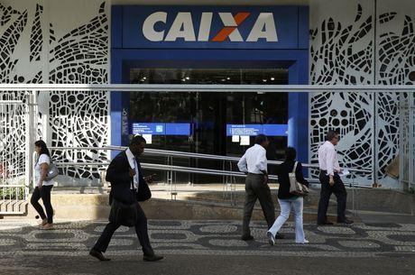 Suspeitos faziam empréstimos com documentos falsos