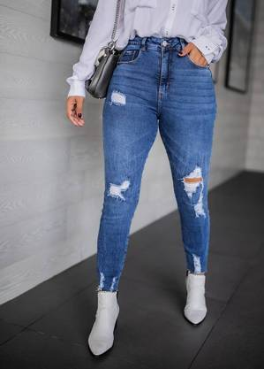 Calça skinny foi listada como cringe
