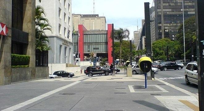 As áreas mantidas diretamente pelas prefeituras apresentam condições muito melhores de acessibilidade e caminhabilidade. Foto: R7.