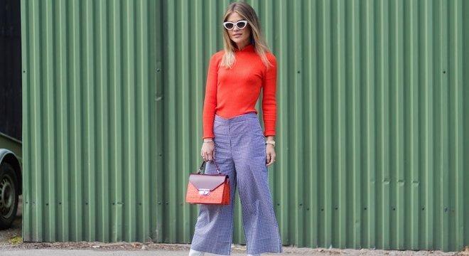 Calças mais longas e soltas são uma das marcas da moda modesta
