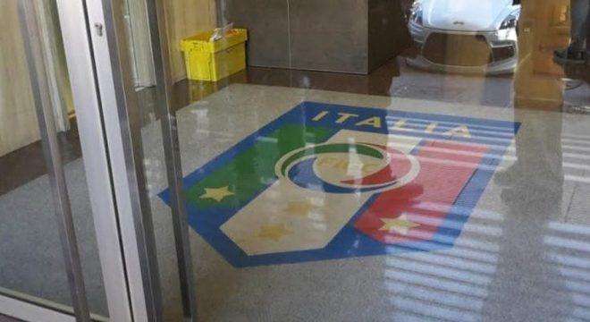 A entrada da Federcalcio, sede fechada