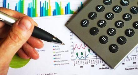 Mercado reduz projeções para o PIB de 2021 e 2022