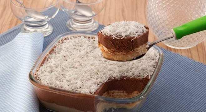 caldas de bolo coco