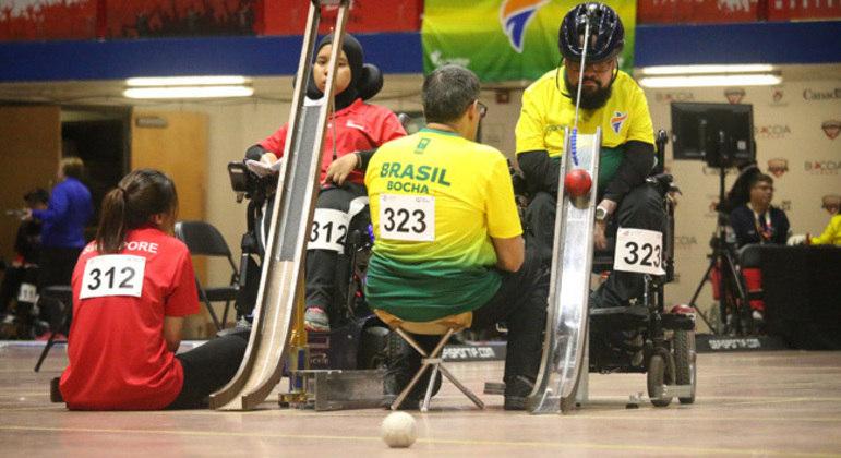 O calheiro, na Bocha, Oscar Carvalho, e o filho Mateus Rodrigues
