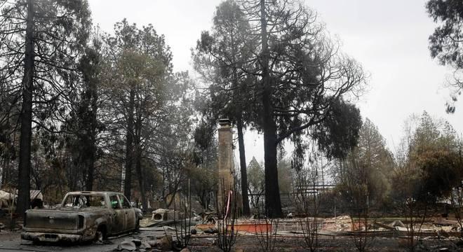 Foco de incêndio de Camp Fire queimou 62 mil hectares no norte da Califórnia
