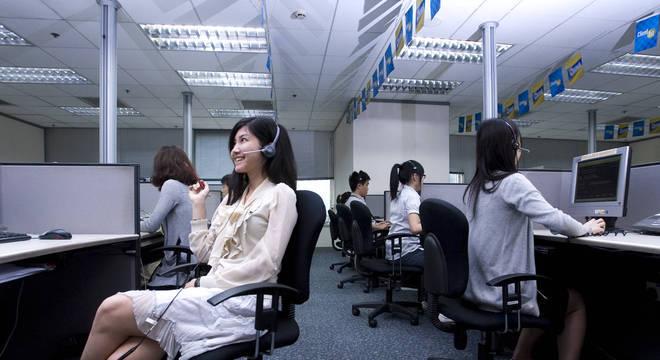 Preço a pagar por manter 'sorriso de fachada' no trabalho é cumulativo