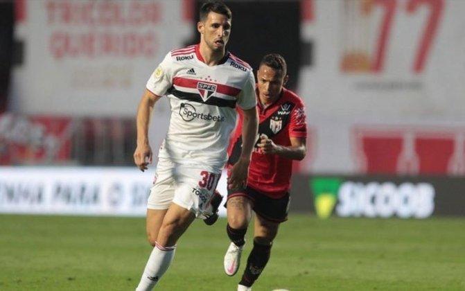 Calleri: recém-chegado ao São Paulo, Calleri disputou três partidas, mas em todas ele saiu do banco de reservas. Ele ainda não está na forma física ideal.