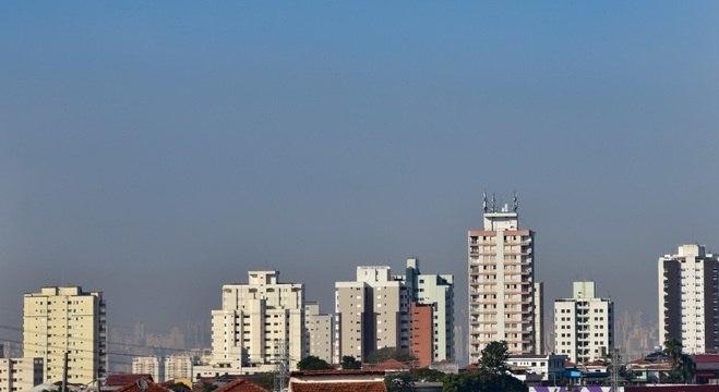 Tempo continua seco na capital paulista