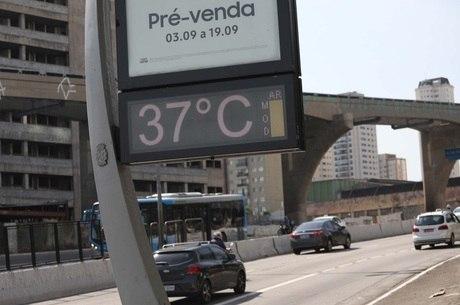 Termômetro registra 37ºC no centro de SP nesta terça