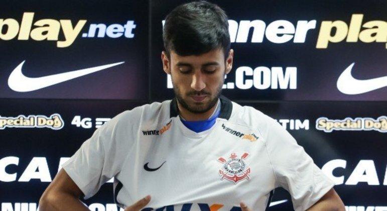 Camacho acertou a rescisão com o Corinthians. Vai para o Santos jogar com Diniz