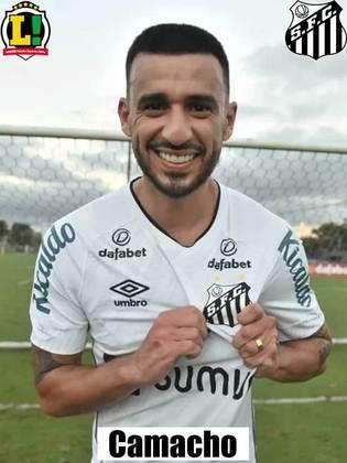 Camacho - 5,0 - Ajudou bastante na saída de bola, mas foi envolvido com facilidade nas jogadas de ataque do Flamengo.