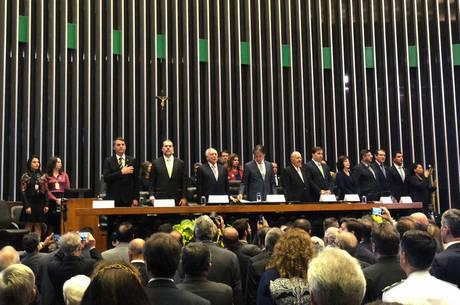 Autoridades participam de sessão solene no Congresso
