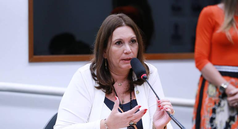 """Bia Kicis, alvo de inquérito no Supremo, diz ser contra o que chama de """"ativismo judicial"""" do STF"""