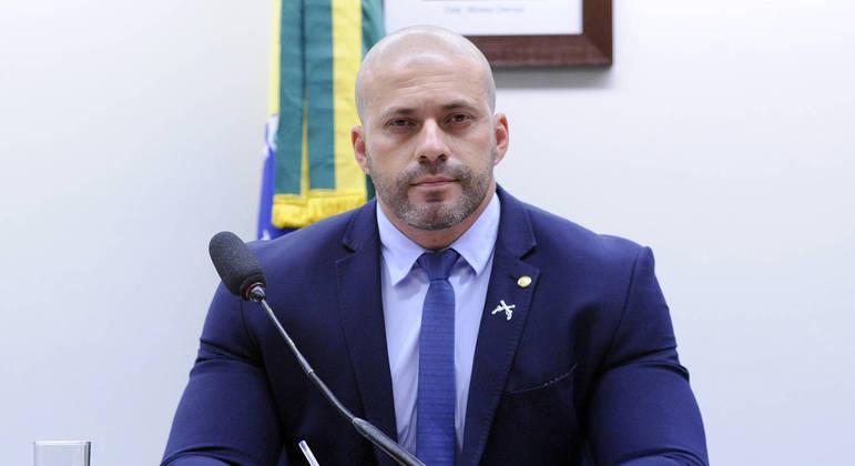 Daniel Silveira foi preso pela PF em casa por ordem do ministro do STF, Alexandre de Moraes