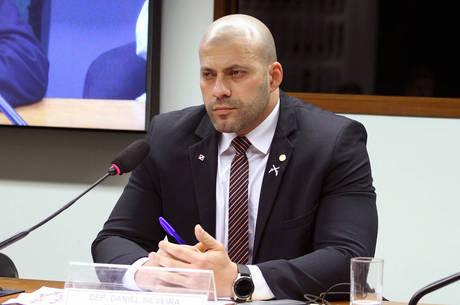 """Deputado Daniel Silveira disse que inquérito é """"oco"""""""