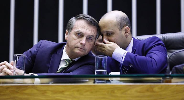 Relatório foi apresentado pelo deputado Vitor Hugo (PSL-GO), aliado do presidente na Câmara