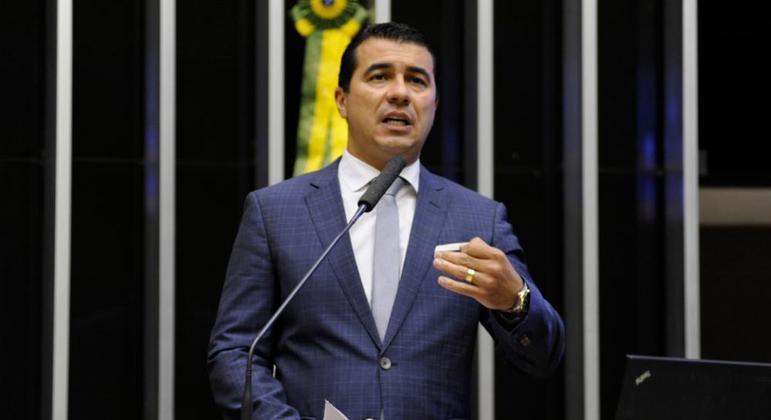 Deputado Luís Miranda diz que alertou Bolsonaro sobre Covaxin em março