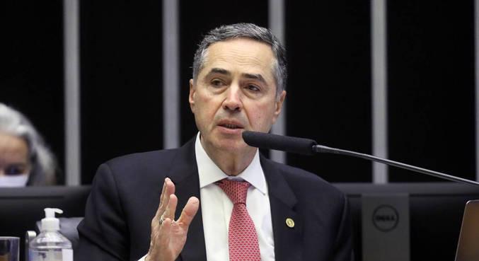 O ministro Luís Roberto Barroso, do STF, que proibiu missões religiosas em terras indígenas