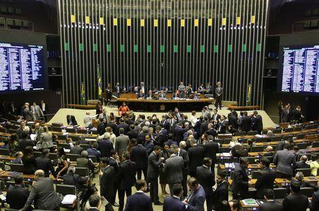Ministro debate na Câmara sobre contingenciamento