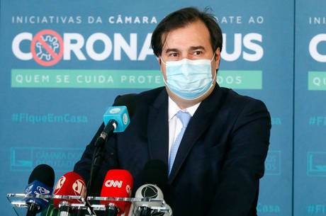 Deputado Rodrigo Maia (DEM-RJ) em coletiva de imprensa