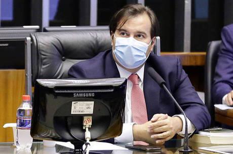 Rodrigo Maia defendeu a prorrogação do auxílio