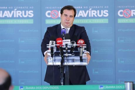 Bolsonaro deixou claro que não vai desrespeitar o teto, diz Maia