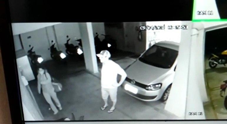 Câmera de segurança flagra agressão na garagem