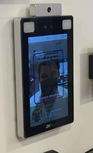 Câmera de reconhecimento facial