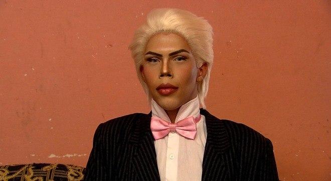 Felipe Adam sonha em fazer transformações para ficar parecido com o boneco Ken