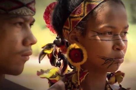 Índios pataxós lamentam poluição de rio após barragem se romper