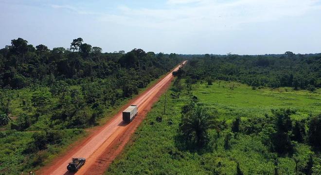 A Transamazônica foi criada em 1970, durante o governo de Emílio Médici