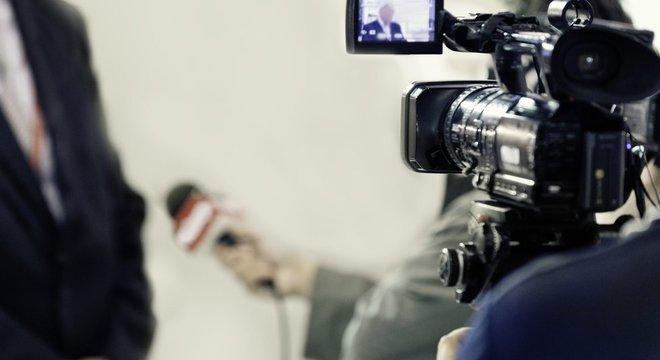 Cientistas criticam tendência da mídia em apresentar experts como figuras individuais, quase como se tivessem opiniões pessoais