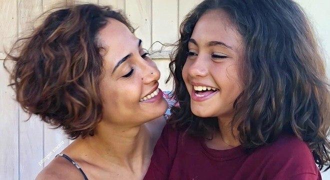 Camila e a filha, Antônia