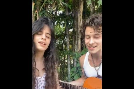 Em live, Shawn Mendes e Camila Cabello mandam 'alô' para o Brasil