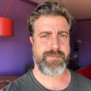 """Camilo Pellegrini, da equipe de autores de """"Gênesis"""""""