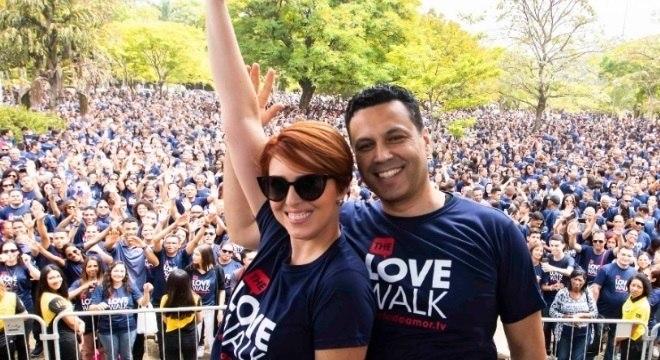 Renato e Cristiane Cardoso durante a Caminhada do Amor