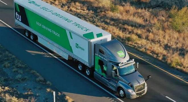 TECNOLOGIA – Caminhões autônomos iniciam testes de entregas nos EUA