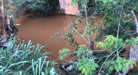 Caminhão foi achado a 20 metros de profundidade