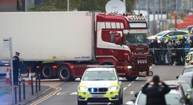 Os corpos foram descobertos na quarta-feira em um parque industrial no leste de Londres