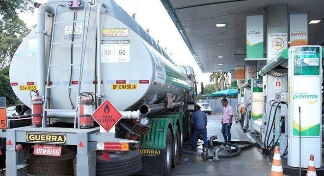 Governo se comprometeu a reduzir em R$ 0,46 o litro do óleo diesel