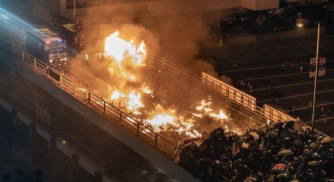 Os protestos e a repressão policial têm causado tensão há meses