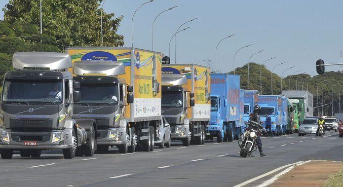 Aumento do frete se dá em meio a uma movimentação de um grupo de caminhoneiros