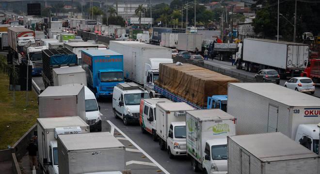 Anistia Internacional critica uso das forças armadas contra protesto de caminhoneiros