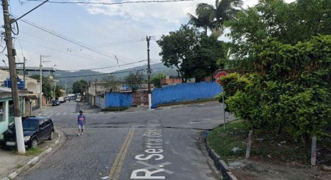 As três vítimas ficaram cerca de 7 horas em um barraco no Jardim Três Montanhas