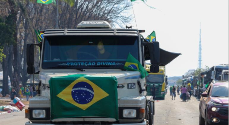 A intenção do grupo é impedir a chegada de cargas no Distrito Federal.