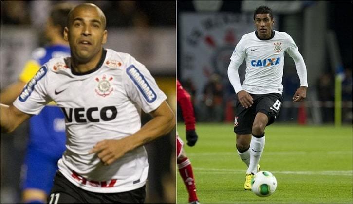 Camisa 1 do Corinthians em 2012 - Versão Final Libertadores e Versão Mundial - Ambas sem as estrelas do símbolo, retiradas desde então, e com detalhe em preto no pescoço