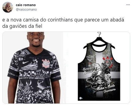 Camisa alternativa do Corinthians, lançada em Setembro/2019, foi comparada a um abadá