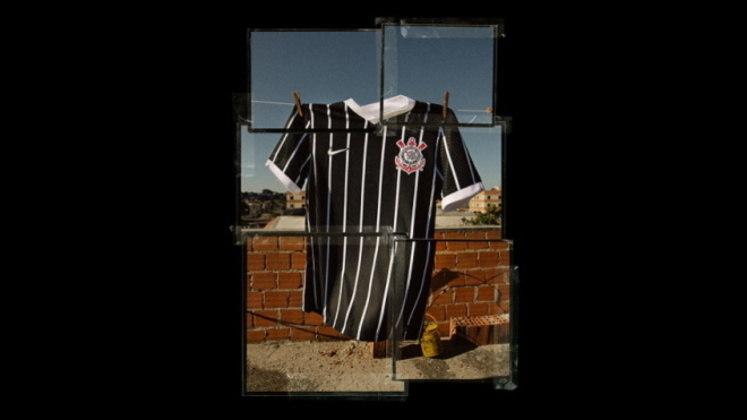 O clássico manto listrado foi utilizado em alguns jogos inesquecíveis da campanha do Brasileirão de 1990, como na vitória no primeiro jogo da final, com gol de Wilson Mano
